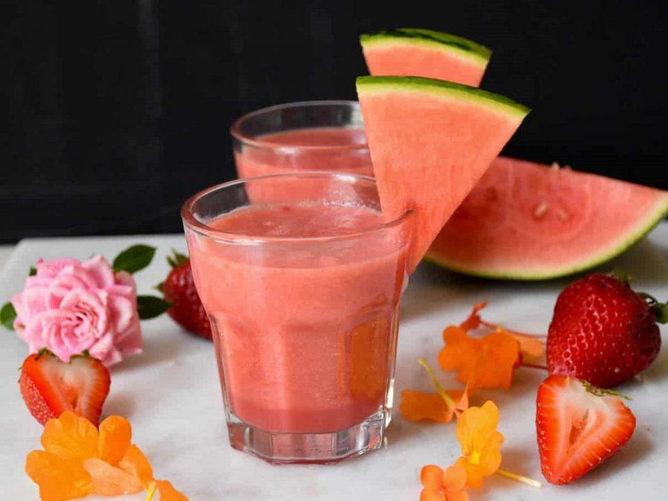 اسموتی هندوانه و توت فرنگی